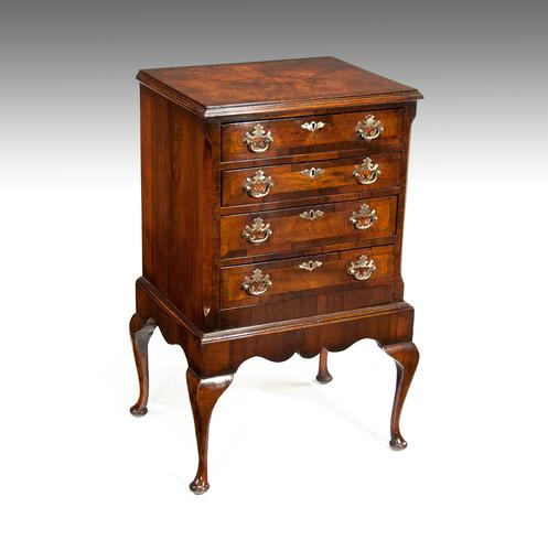 Good Antique Walnut Chest of Drawers on Stand (1 of 1)
