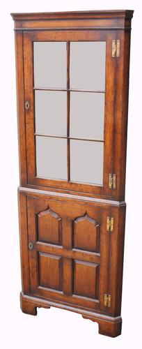 Good Quality Two Piece Ipswich Oak Standing Corner Cabinet (1 of 1)