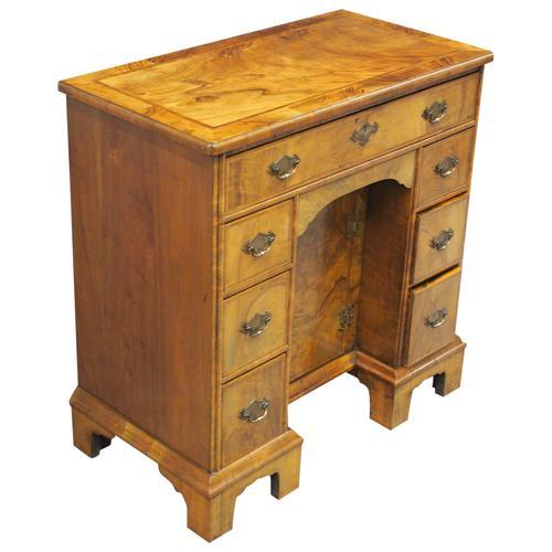 Neat George II Style Walnut Kneehole Desk (1 of 13)