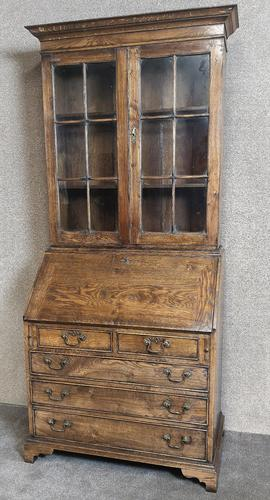 Good Quality Reproduction Oak Bureau Bookcase in the Georgian Style (1 of 11)