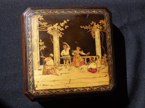 Italian Marquetry Box Sorrento  Ware - Depicting Folk Dancers (1 of 10)