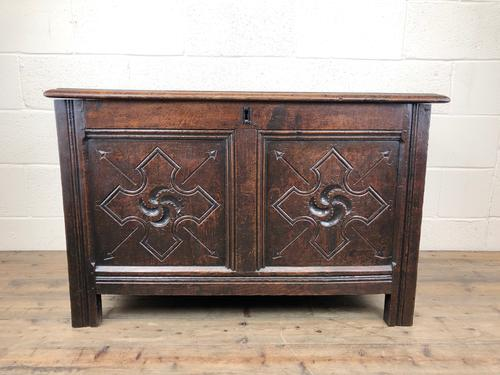 Antique 18th Century Welsh Oak Coffer with Carved Front (1 of 12)