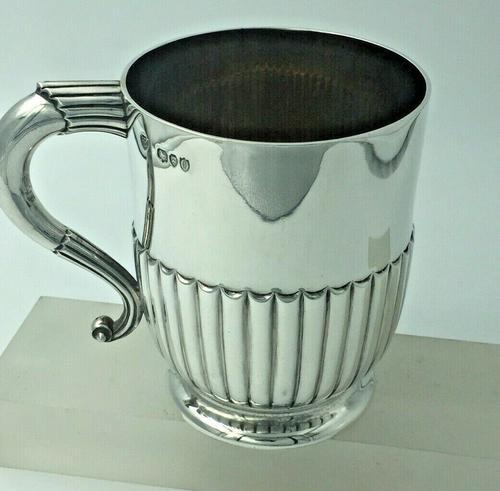 Victorian Silver Christening Mug by the Barnards London 1889 (1 of 6)