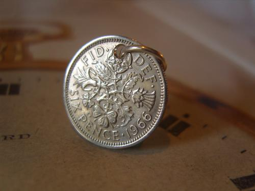 Vintage Pocket Watch Chain Fob 1966 Silver Sixpence 6D Lucky Coin Fob (1 of 4)
