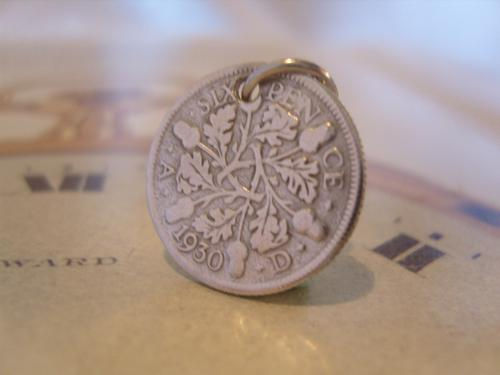 Vintage Pocket Watch Chain Fob 1930 Lucky Silver Sixpence 6D Coin Fob (1 of 6)