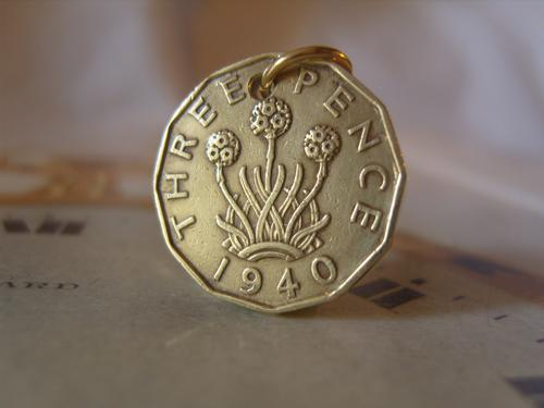 Vintage Pocket Watch Chain Fob 1940 WW2 King George VI Threpenny Bit Coin Fob (1 of 7)