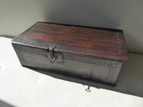 Early 18th Century Oak Box (1 of 7)
