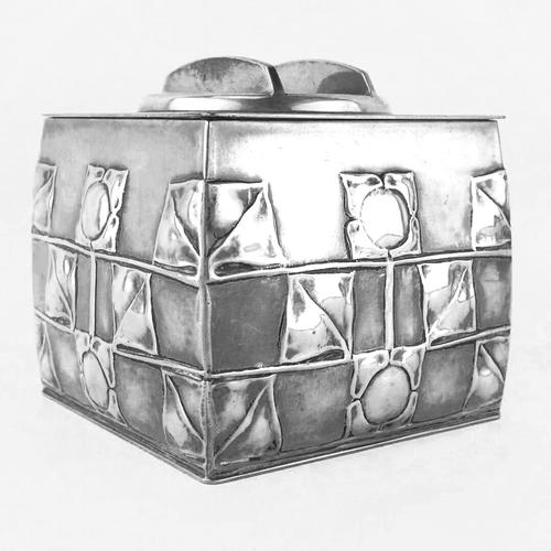 Arts & Crafts Liberty & Co Tudric Pewter Biscuit Box by Archibald Knox (1 of 7)