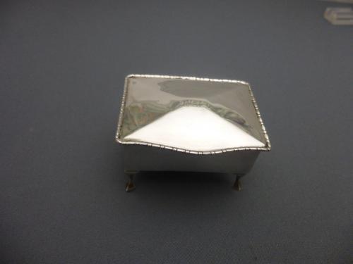 Miniature Silver Trinket Box (1 of 6)