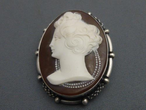 Edwardian Silver Set Cameo Brooch (1 of 6)
