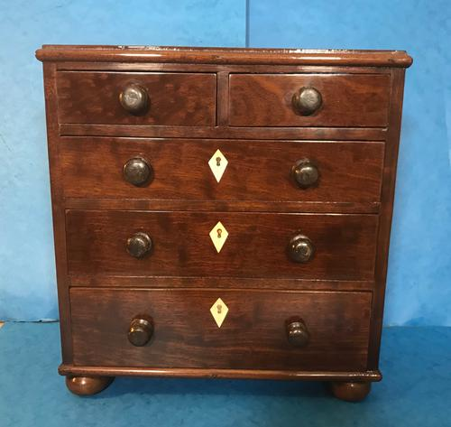Victorian Mahogany Miniature Chest of Drawers (1 of 13)