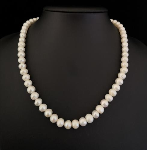 Vintage Cultured Pearl Necklace (1 of 8)