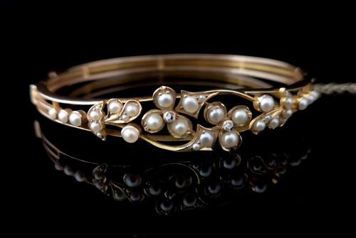 Victorian 18ct Gold Bangle, Pearl & Diamond (1 of 21)