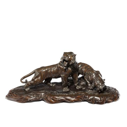 Fine & Large Meiji Period Bronze of Two Tigers by Genryusai Seiya (1 of 8)