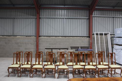 1960s Set of 18 Mahogany Queen Anne Style Dining Chairs with Pop-out Seats (1 of 4)