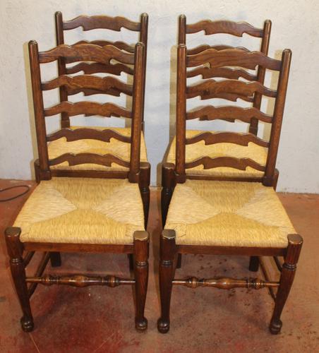 1920s Set of 4 Medium Oak Ladderback Chairs with Rush Seats (1 of 3)