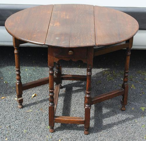 1800s Small Oak Gateleg Table with Drawer (1 of 4)