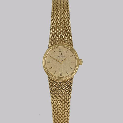 Vintage Omega 9ct Gold Bracelet Watch Woman's Quarts Watch with Herringbone Strap (1 of 11)