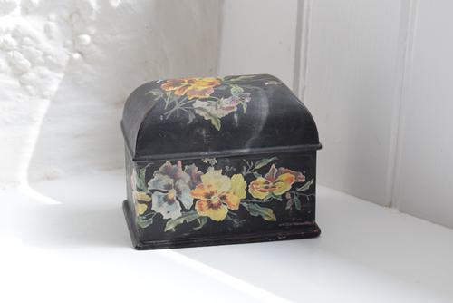 Miniature Victorian Black Lacquer Jewellery Casket with Painted Pansies (1 of 10)
