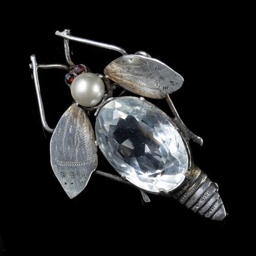 Antique Art Deco Rock Crystal Garnet Insect Brooch Silver c.1920 (1 of 5)