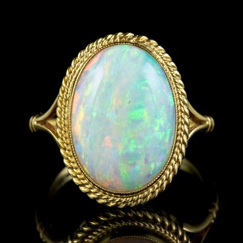 Vintage Opal Ring 18ct Gold Natural 8ct Opal c.1980 (1 of 6)