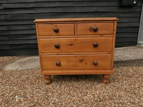 Outstanding 19th Century Pine Small Farmhouse Style Chest of Drawers (1 of 12)