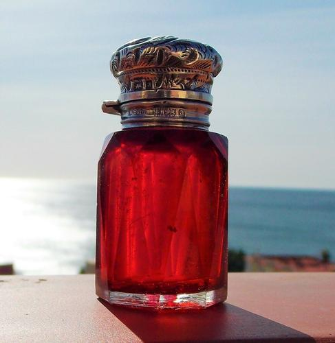 Rare Stunning Victorian Miller Bros Solid Silver Cut Glass Ruby Scent Bottle 1900 (1 of 10)