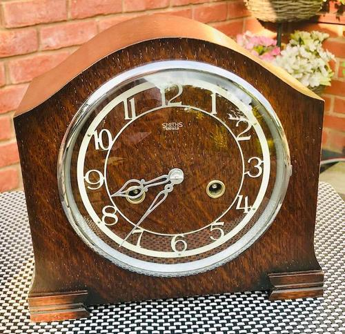 Outstanding 1950 English Striking Mantle Clock by Smiths-Enfield. (1 of 8)
