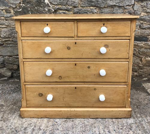 Victorian Pine Chest of Drawers (1 of 15)
