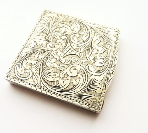 Solid Silver Makeup Compact (1 of 6)