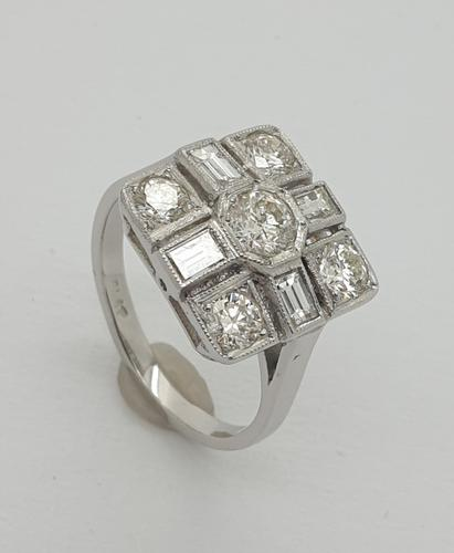 18ct Wg Square Cluster (1 of 8)