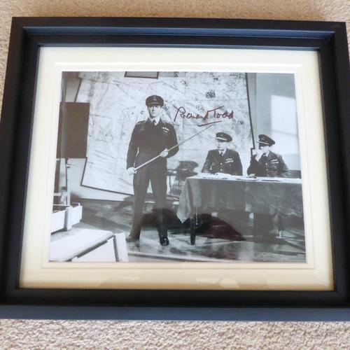 Dambusters Film Richard Todd Signed Framed Photo with Coa (1 of 2)