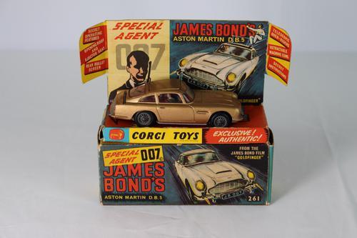 Corgi Toys James Bond Aston Martin Db5 (1 of 6)