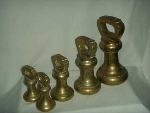 Old Brass Butcher's Weights. 7Lb, 4Lb, 2Lb, and 2 1Lbs. (1 of 4)