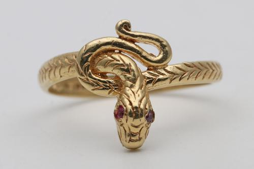 18ct Gold Snake Ring with Ruby Eyes Detail (1 of 3)