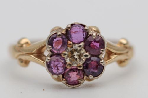 Pretty Gold Ruby & Diamond Ring (1 of 2)