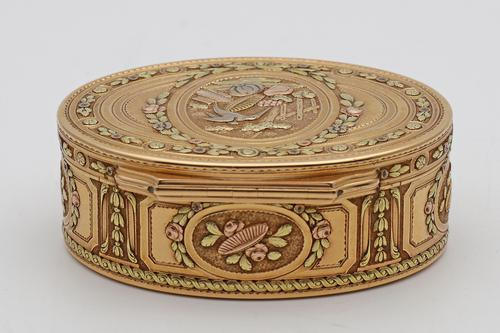 18th Century French Three-Colour Gold Oval Box (1 of 8)