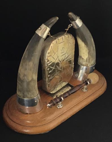 Victorian Cow Horn ,Brass and Oak Base Dinner Gong (1 of 4)