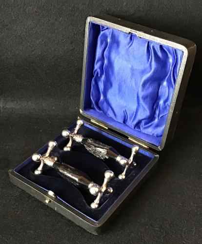 Pair of Victorian Stag Horn and Silver Plated Knife Rests (1 of 2)