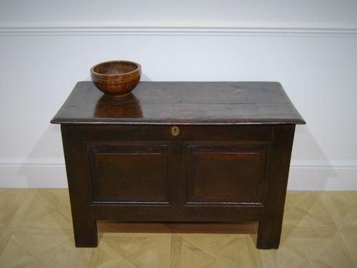 18th Century Oak Coffer (1 of 4)