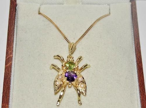 Suffragette 9ct Gold & Silver Amethyst Pearl & Peridot Bee Insect  Pendant & Chain (1 of 2)