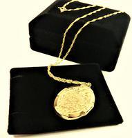 Chester Assayed Ornate Yellow Gold Locket 1913 (4 of 10)