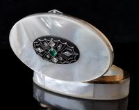Art Deco Diamond and Emerald snuff box, 18ct gold, Mother of Pearl (9 of 14)