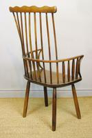 Charming 18th Century Yew Wood Comb Back Chair (3 of 10)