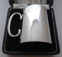 William Hutton 1906 Hallmarked Solid Silver Tankard Christening Mug Boxed (2 of 11)