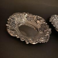 Pair of Flat Silver Swags Flowers & Grille Bon Bon Dishes (2 of 7)