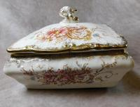 """19th Century S. Fielding & Co """"Sevres"""" Pattern Lidded Dish (3 of 5)"""