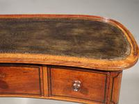 A Rare and Very Slender Early 19th Century Kidney Shaped Writing Table (4 of 4)