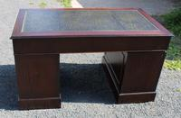 1960s Large Mahogany Pedestal Desk with Green Leather (6 of 6)