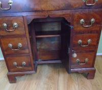 Nineteenth Century Mahogany Kneehole Desk (4 of 7)